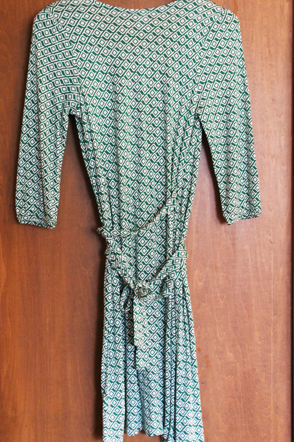ce784988466 Old Navy Printed Wrap Dress Review